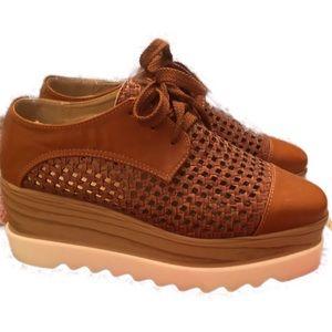 Shoes - Platform shoe